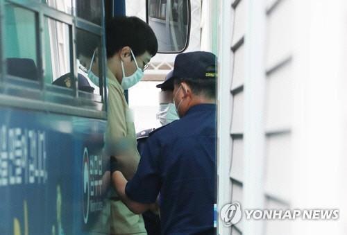 """미성년 성폭행 유도스타 왕기춘 징역 6년 선고…""""피해자 대인기피 고통"""""""
